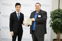 Yiqi Chen received award from Dr. Swihart.