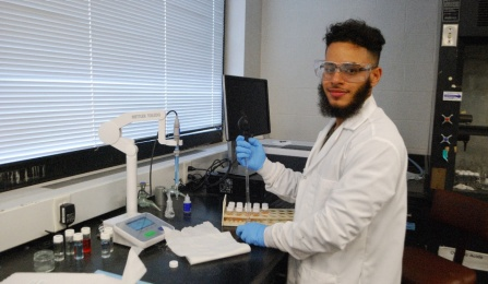 Sergio Rosa is a participant in UB's LSAMP summer research program.